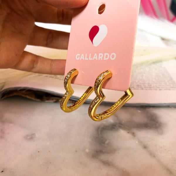 aretes dorados con forma corazón - accesorios - ecuador - ropa gallardo