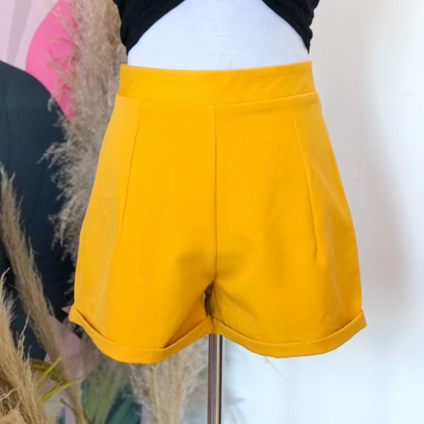 short mostaza de tela - ropa gallardo - ecuador
