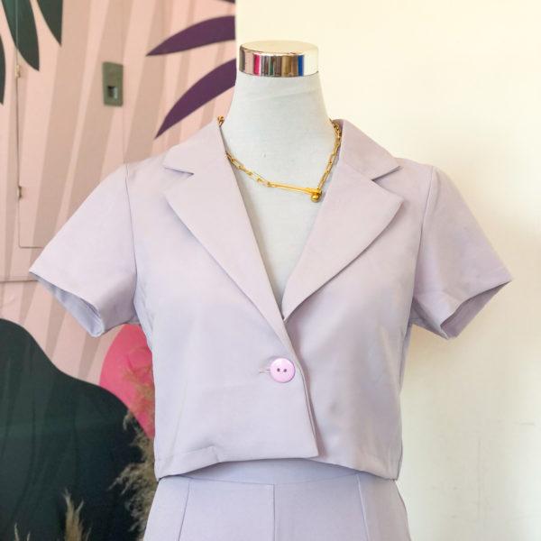 Blazer corto color lavanda con mangas cortas - ropa gallardo - ecuador