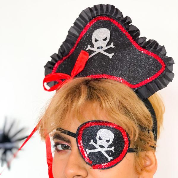 accesorio pirata color negro y rojo brillante - ecuador - ropa gallardo