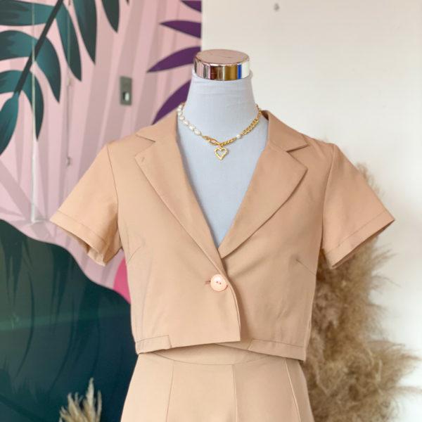 blazer corto color cafe- ecuador - ropa gallardo