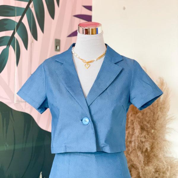 blazer corto color azul claro- ecuador - ropa gallardo
