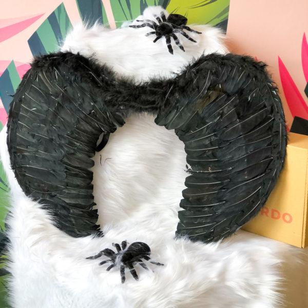alas negras para disfraz de halloween con plumas sintéticas - halloween - ecuador - ropa gallardo